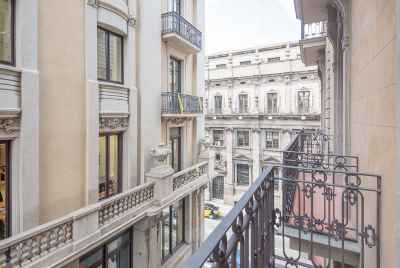 Stunning new apartments in a historical building in Barcelona